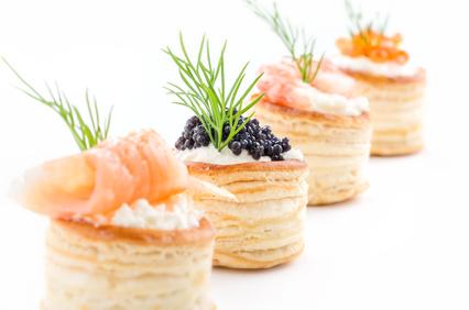 Fingerfood mit Lachs, Kaviar und Garnelen